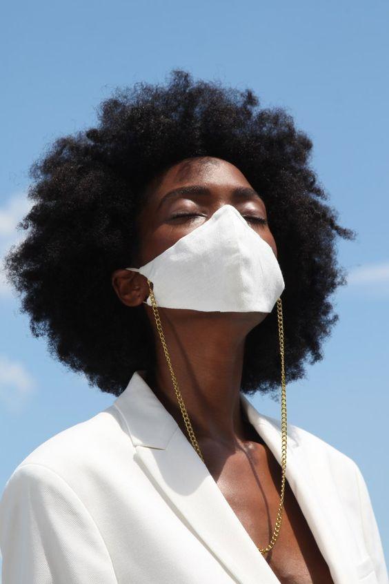 Model wears a face mask