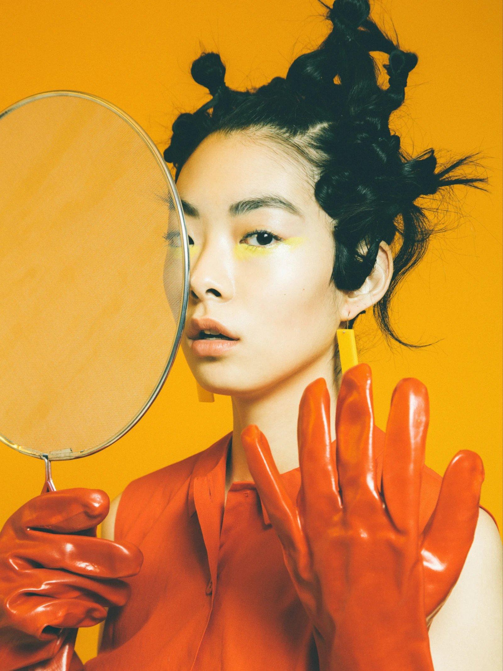 Model poses for Alex de Mora Photography